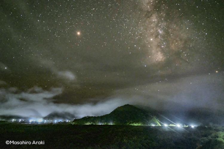 マングローブ原生林と星空の写真P002_10