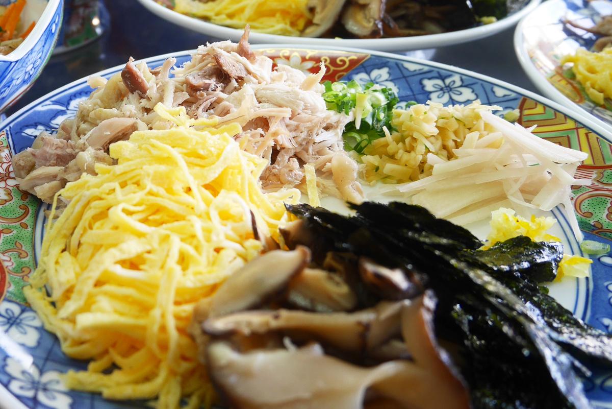 奄美の郷土料理鶏飯 width=