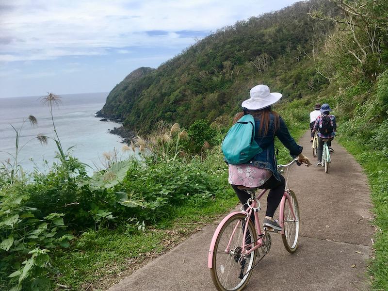奄美宮古崎の自転車ツーリング海沿いの道