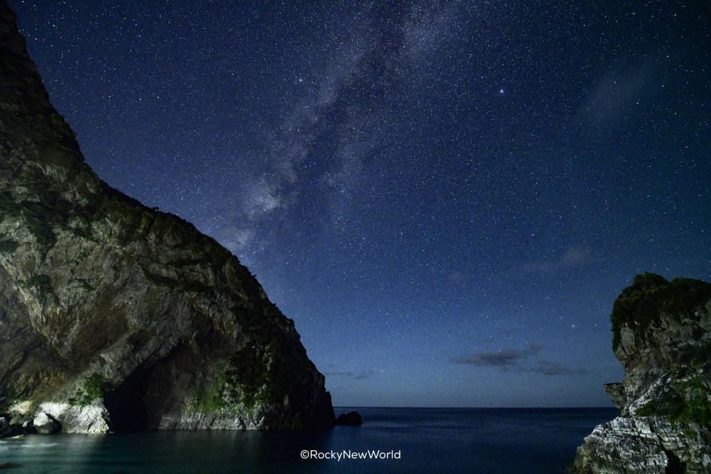 徳浜の断崖からの星空