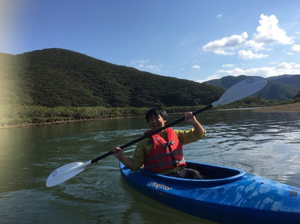 奄美大島のマングローブでカヌー