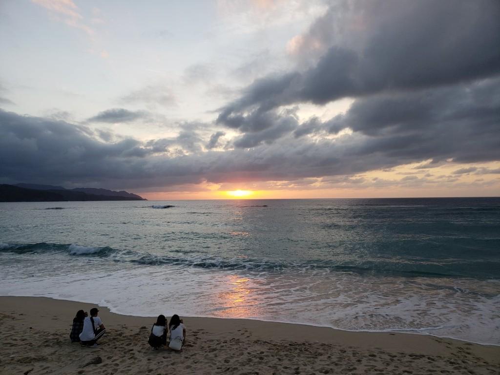 奄美大島の大浜海浜公園の夕日