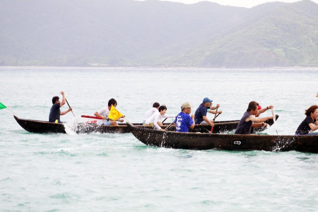 ハマオレの舟漕ぎ競争の写真P1050607