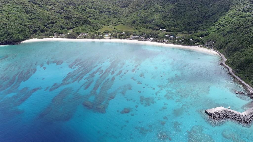 奄美大島加計呂麻島の実久海岸