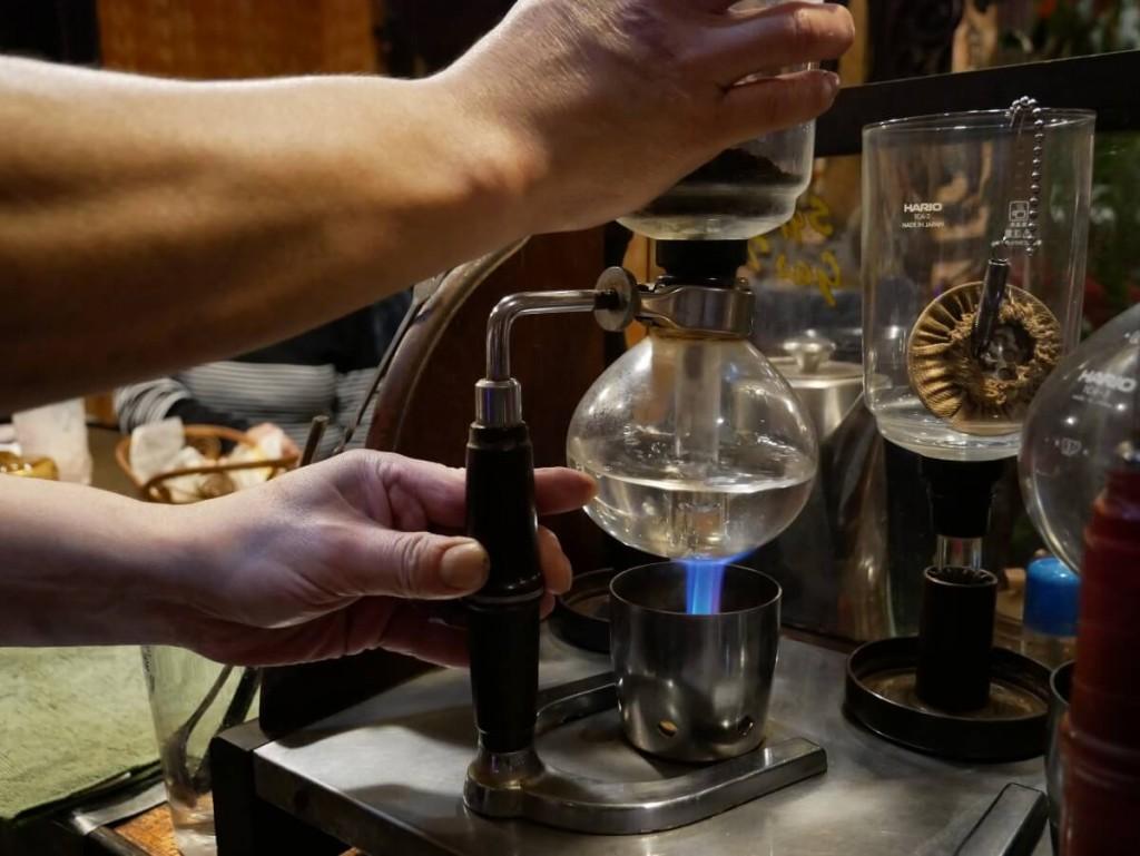 奄美の老舗喫茶店カフェテラス貴望サイフォン式コーヒー