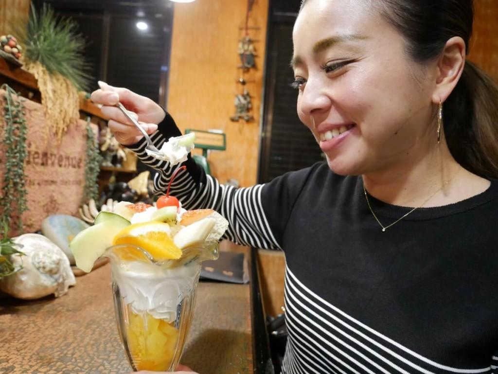 奄美の老舗喫茶店カフェテラス貴望のフルーツパフェ