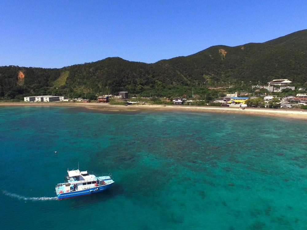 透明度の高い大島海峡の海