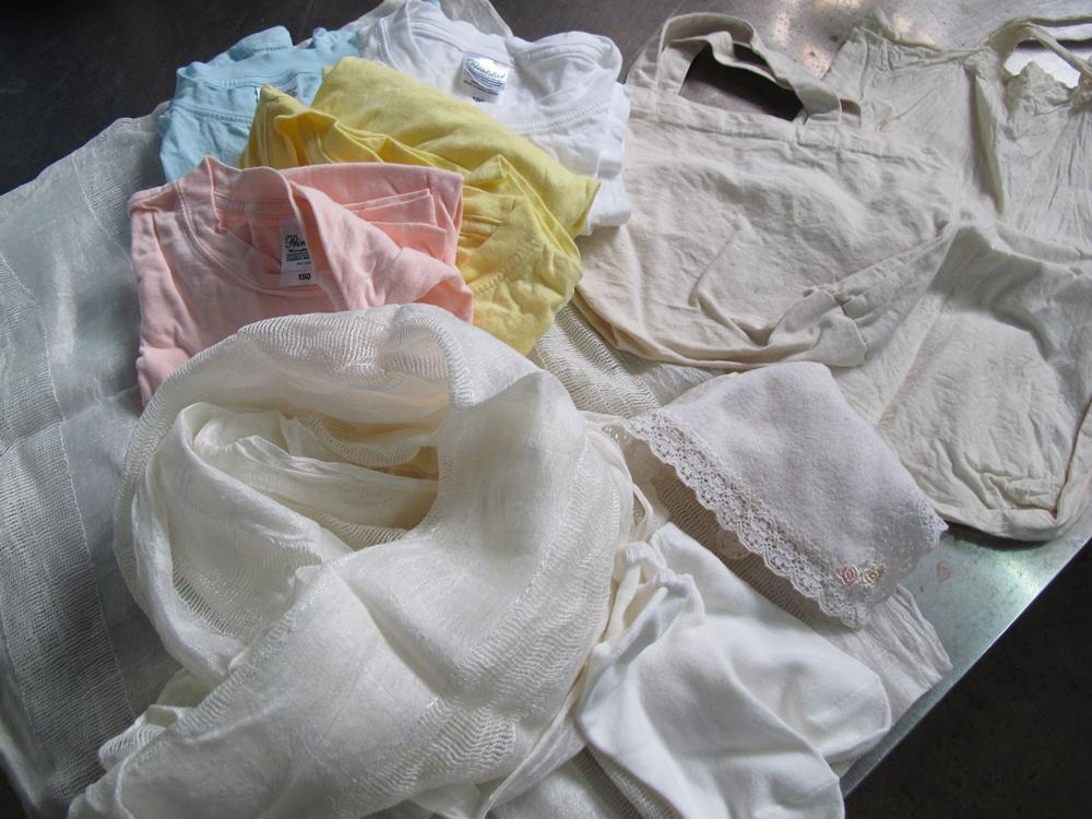 泥染め体験のTシャツとストール